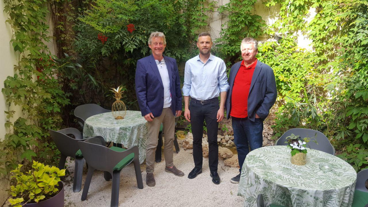 The representatives of the Norwegian entity with the mayoral candidate for the Partido Popular José Francisco García